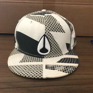 Nixon printed fitted hat